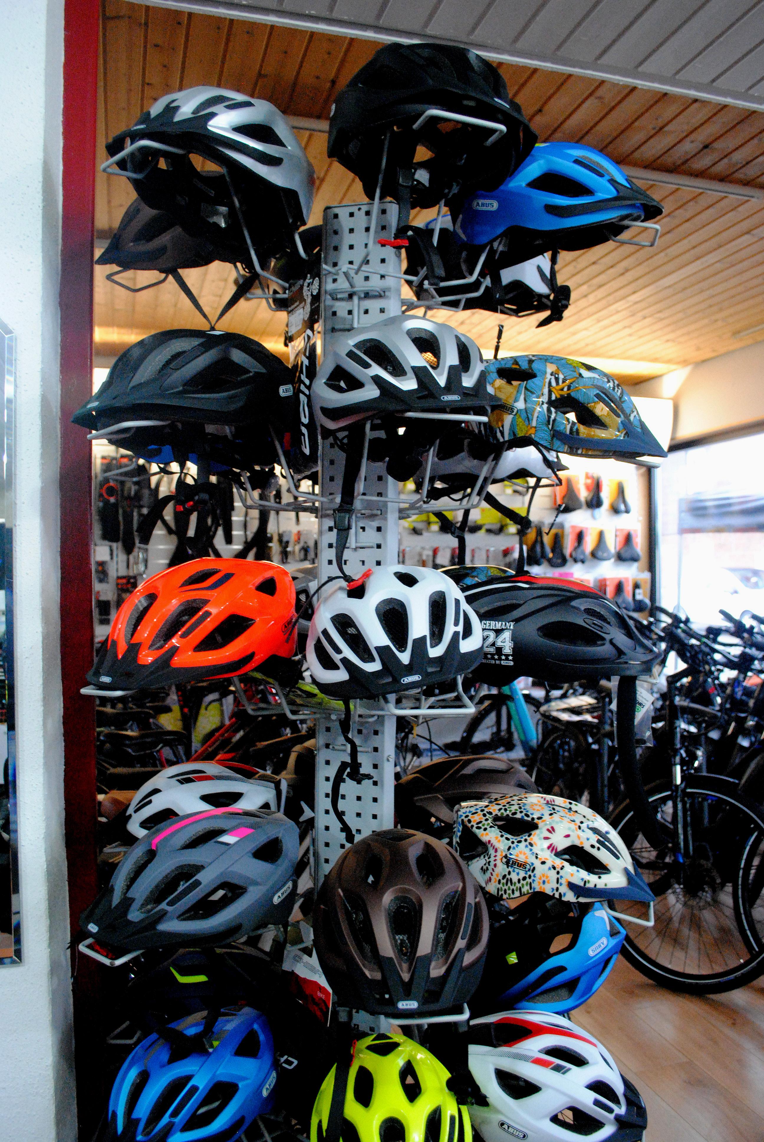 große Auswahl Fahrradhelme